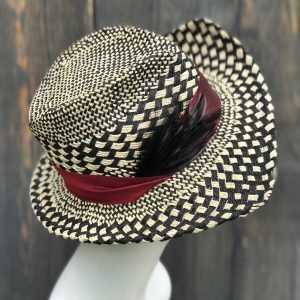 Textured patterned double pointed straw fedora