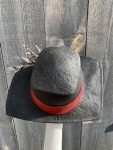 rear view of black sun hat
